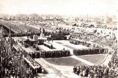 Коркино открытие памятника Неизвестному солдату